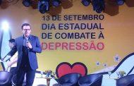 O apresentador e mediador dos debates do evento o ex global Fernando Rocha